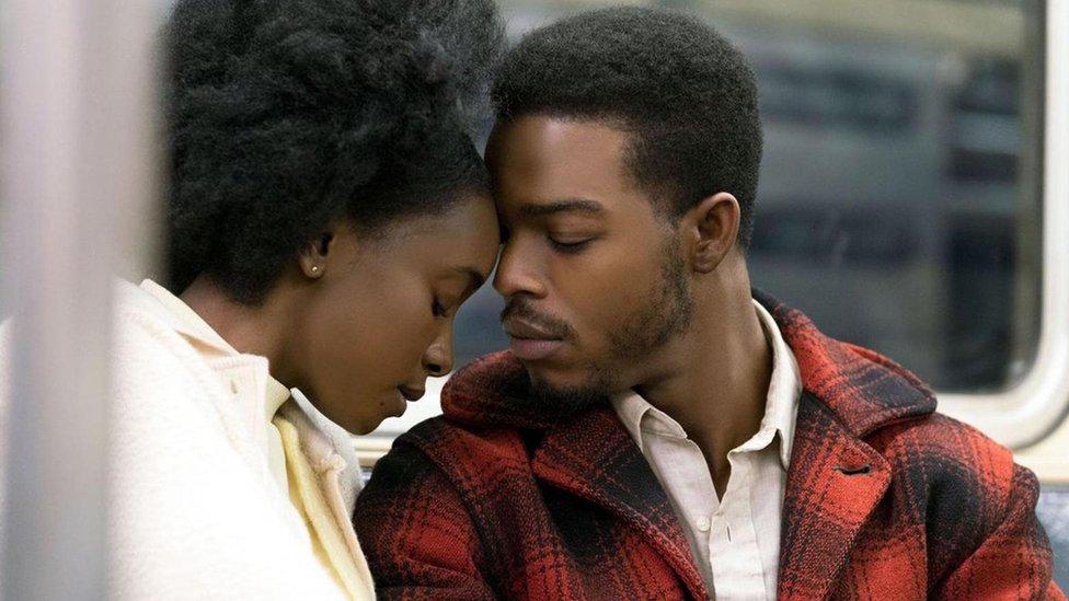 Stephan James y KiKi Layne son la pareja de If Beale Street Could Talk.