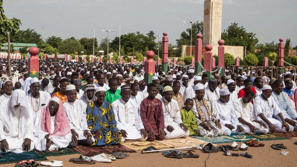 Muslimani se mole u Burkini Faso