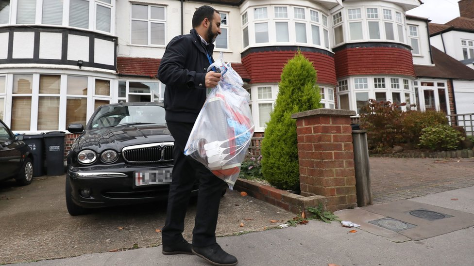 Police leave property in South Norwood