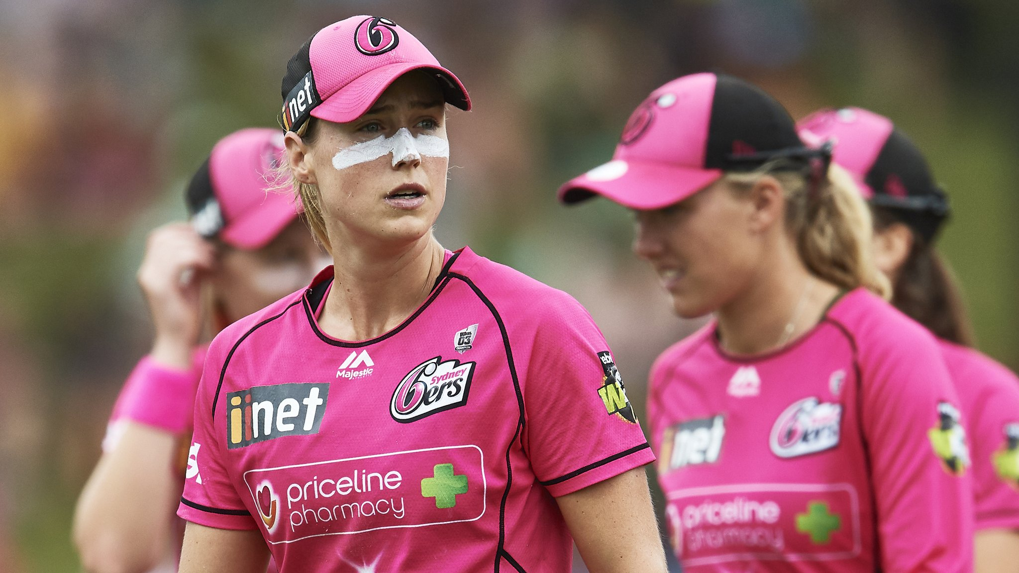 Two last-ball thrillers and a super over - drama in Women's Big Bash semis
