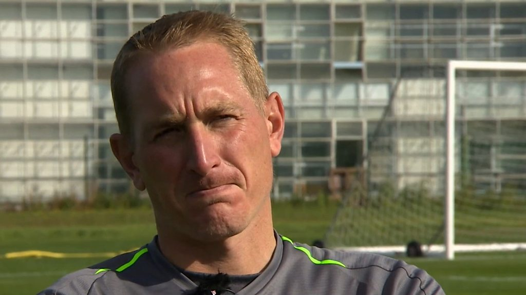 Chris Kirkland: 'I haven't got enough experience' for Liverpool job