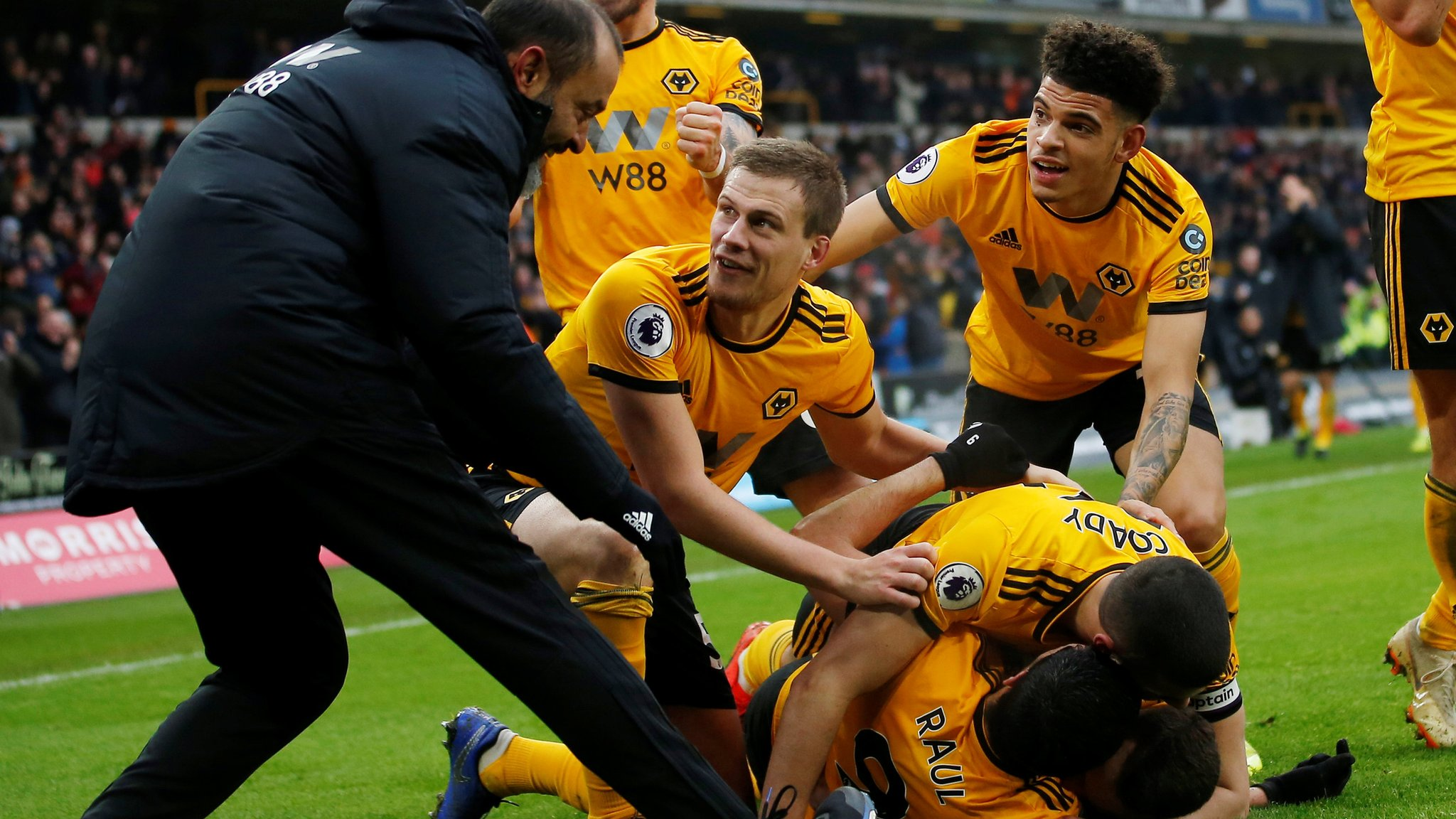 Wolves 4-3 Leicester City: Diogo Jota hat-trick as hosts snatch win in thriller