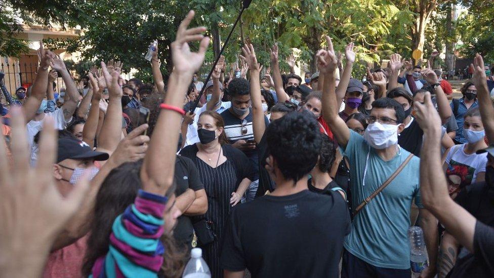 Protestas frente a la sede del Ministerio de Cultura de Cuba.