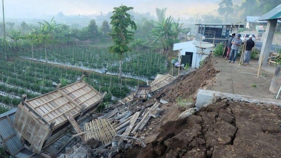 В Індонезії на туристичному острові землетрус, є загиблі