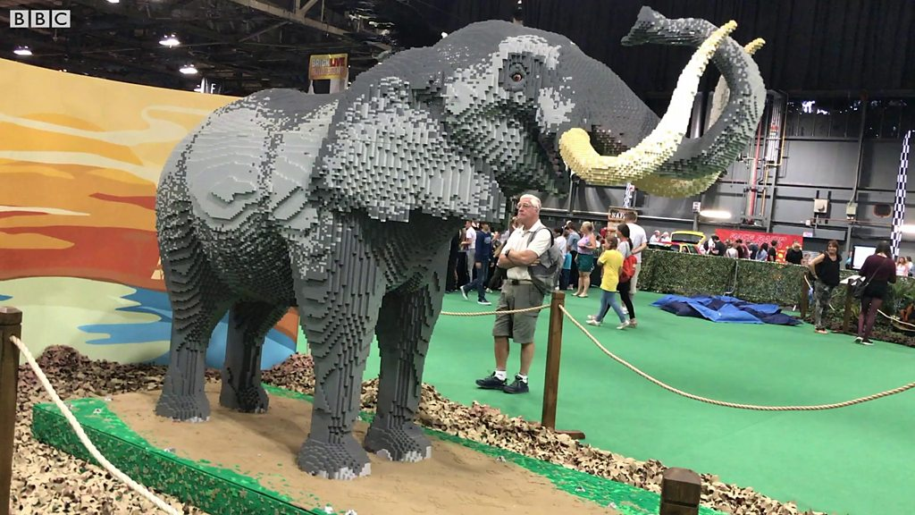 UK's largest Lego event under way in Glasgow