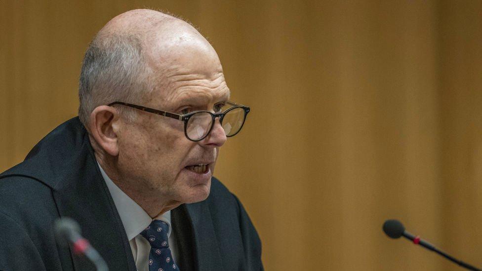 El juez Mander dedicó duras palabras a Tarrant al anunciar la sentencia.