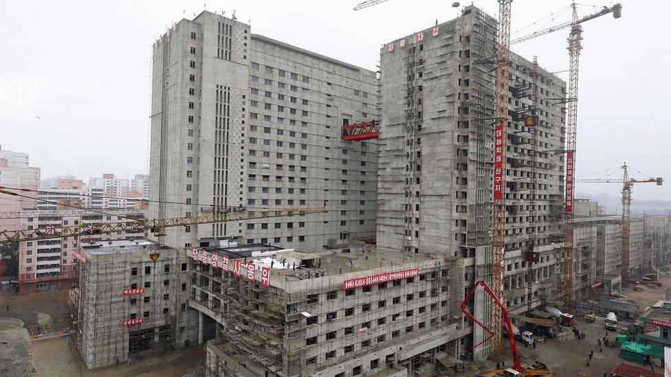 平壤綜合醫院工地(朝中社2020年7月20日發放照片)