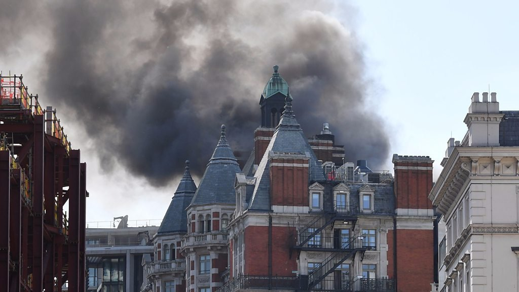 Mandarin Oriental fire: Video shows smoke at London hotel