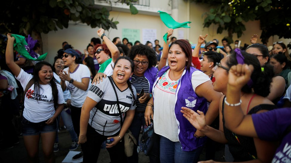 Celebración de la liberación de Imelda Cortez en El Salvador