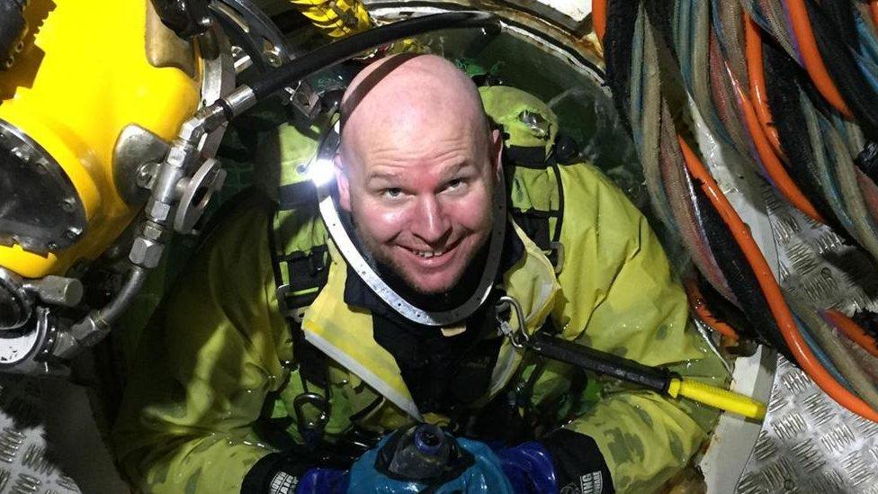 O mergulhador Chris Lemons