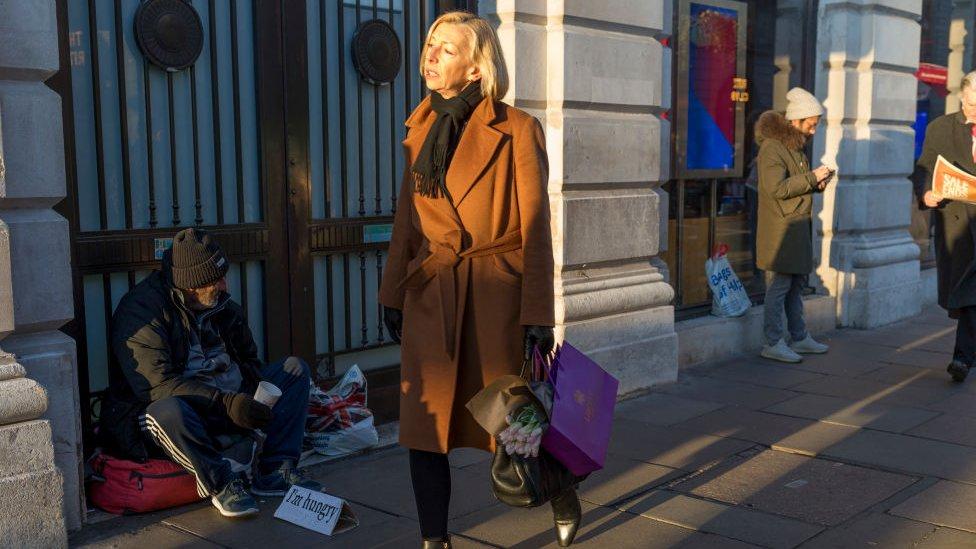 Gente en Londres.