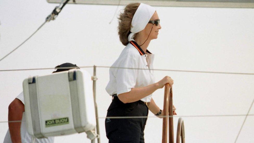 La reina Sofía, durante una regata.