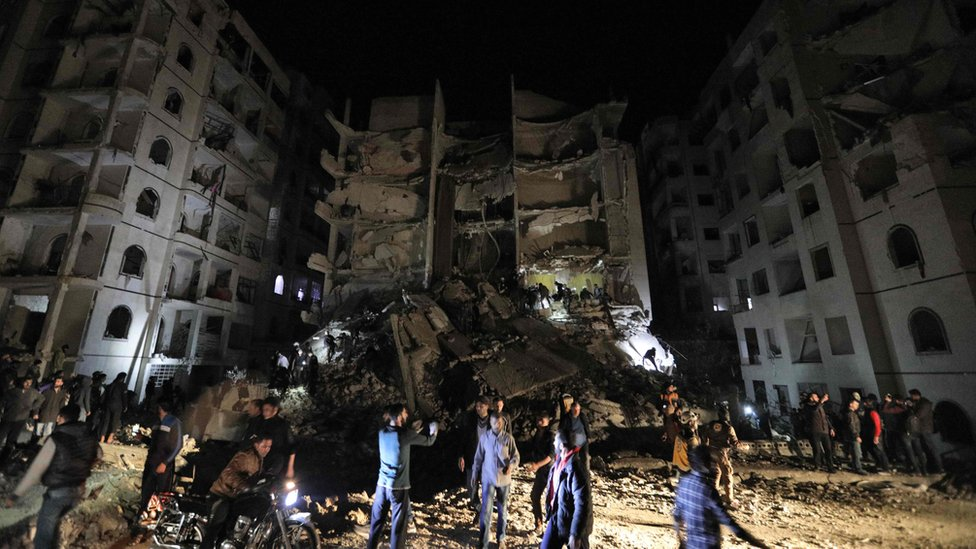 """A picture shows the site of an explosion of unknown origin which killed 11 civilians in Syria""""s northwestern jihadist-held city of Idlib on April 9, 2018."""