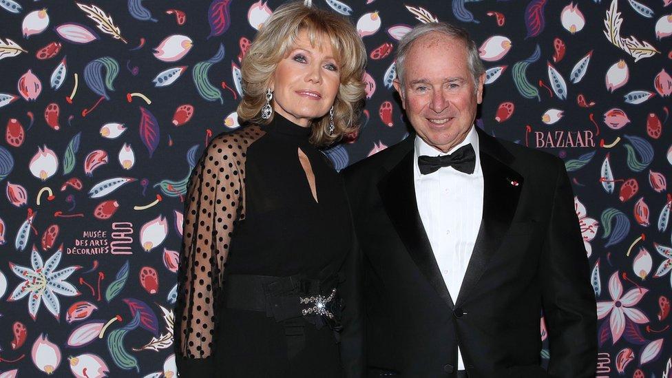 Stephen Schwarzman y su esposa