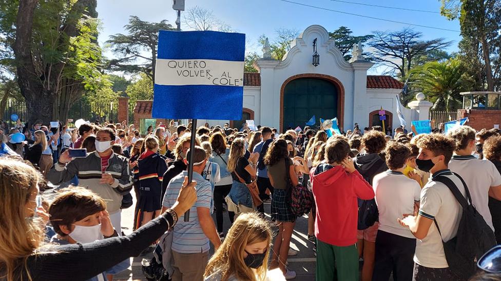 La protesta de este lunes frente a la residencia presidencial de Olivos.