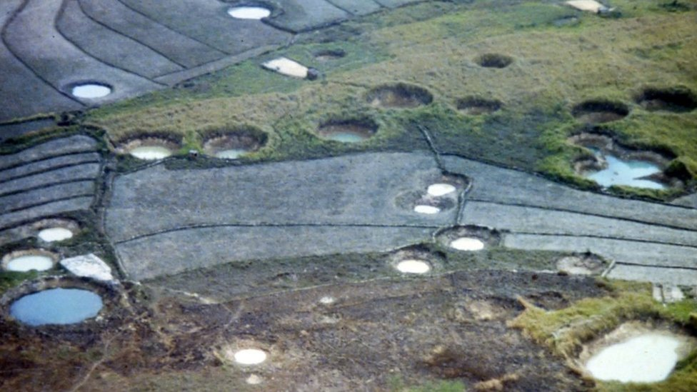 Cráteres de bombas en laos