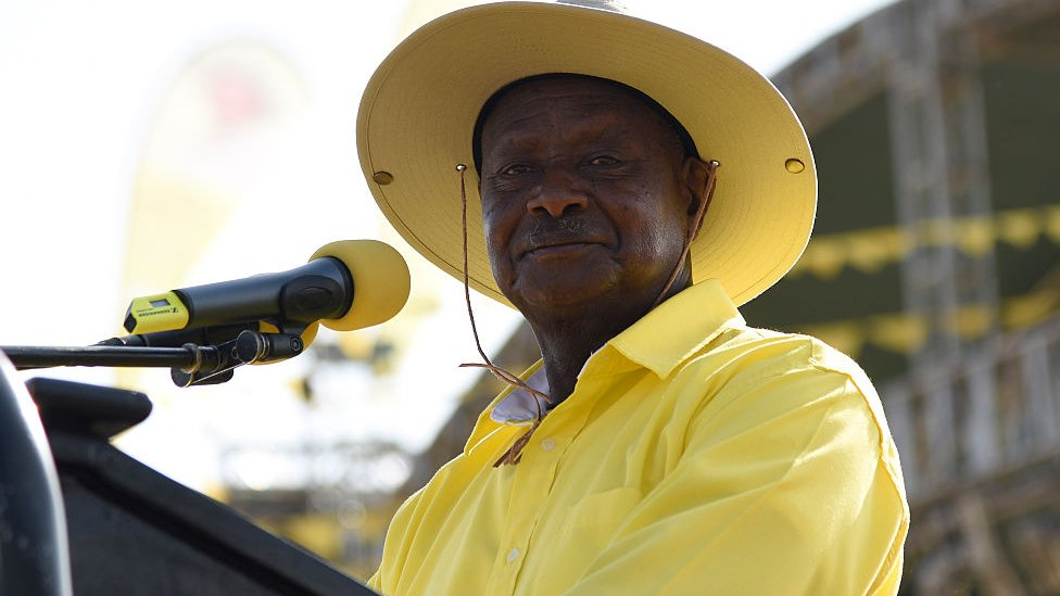 Uganda's President Yoweri Museveni dressed in yellow - 2016