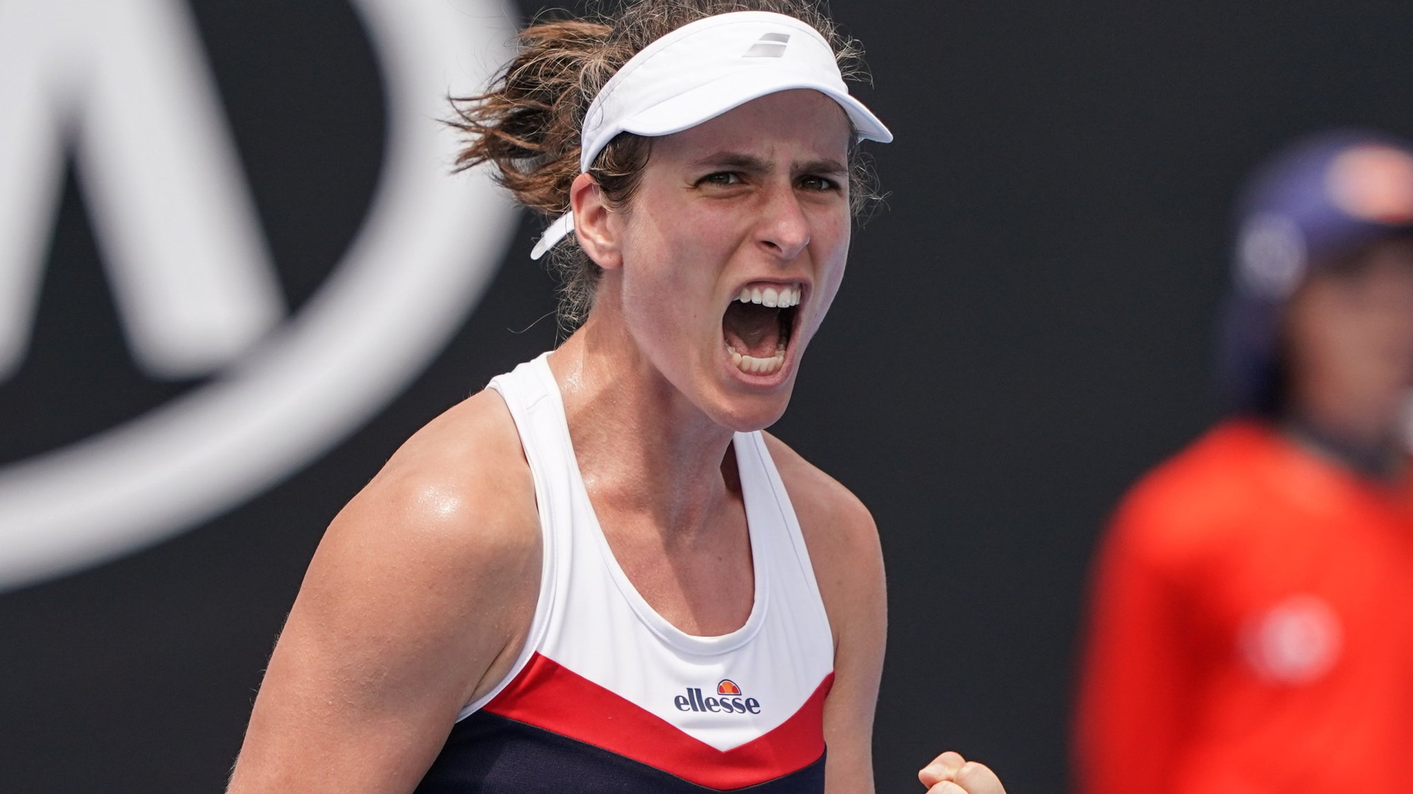 Konta battles through in near three-hour match