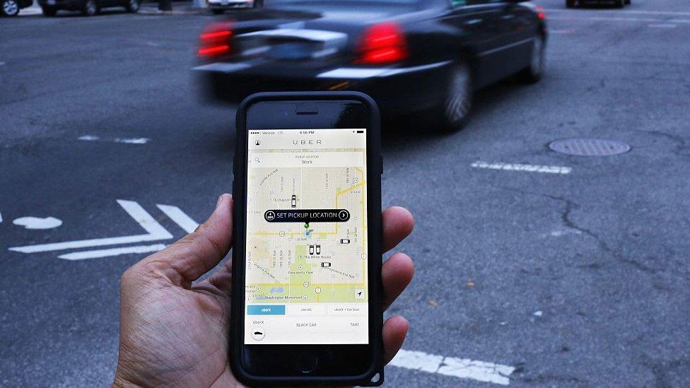Tela de telefone celular com aplicativo Uber