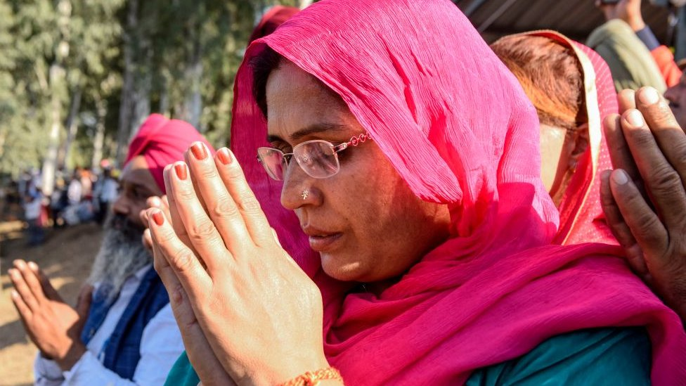 गुरु पर्व पर भी 700 सिख ही पहुंचे करतारपुर- पाँच बड़ी ख़बरें