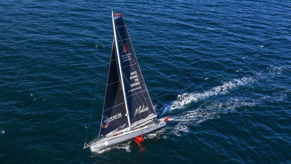 El Malizia II, el velero que llevará a Greta Thunberg a las cumbres del clima.