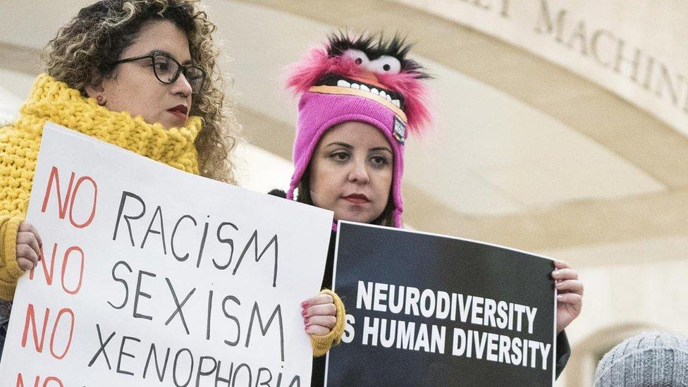 متظاهرات في نيويورك يشاركن في وقفة للنساء ذوات الإعاقة