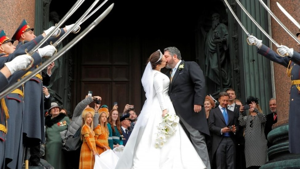 Grand Duke George Mikhailovich Romanov and Victoria Romanovna Bettarini kiss