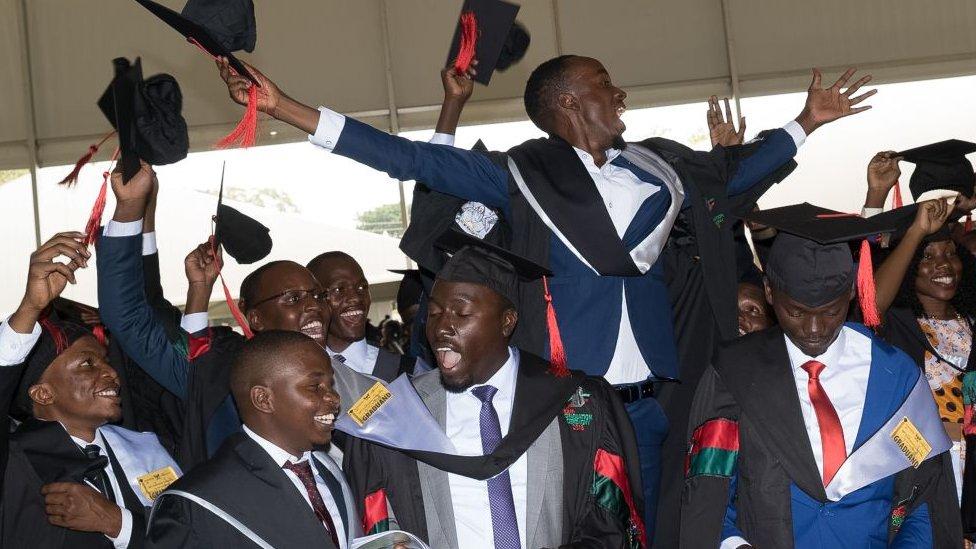 Graduados na Makerere University em Kampala, Uganda - 2018