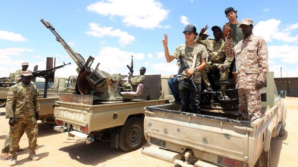 BM destekli Libya Ulusal Mutabakat Hükümeti (UMH) destekçisi savaşçılar