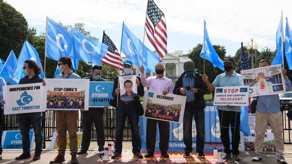 Protesta por los derechos de los uigures frente a la Casa Blanca
