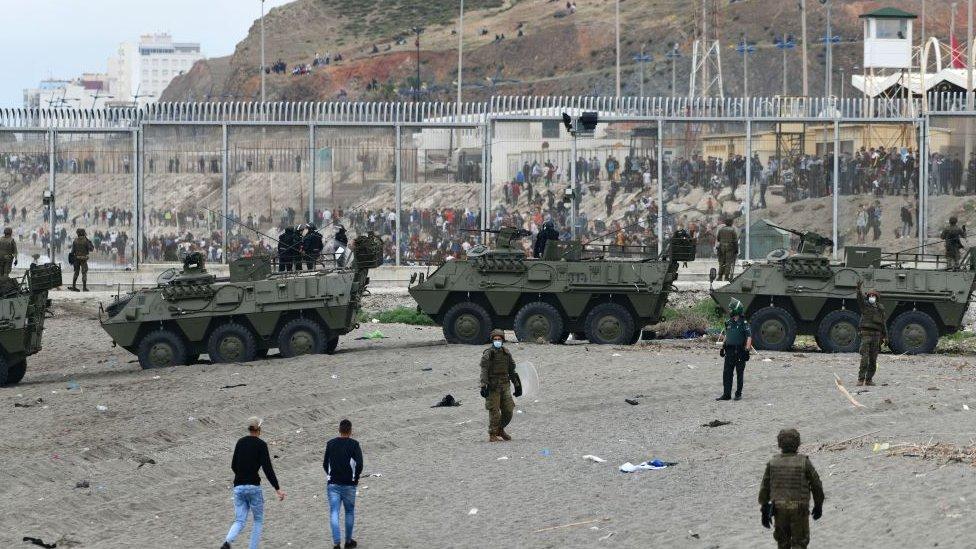 Tanques en la frontera.