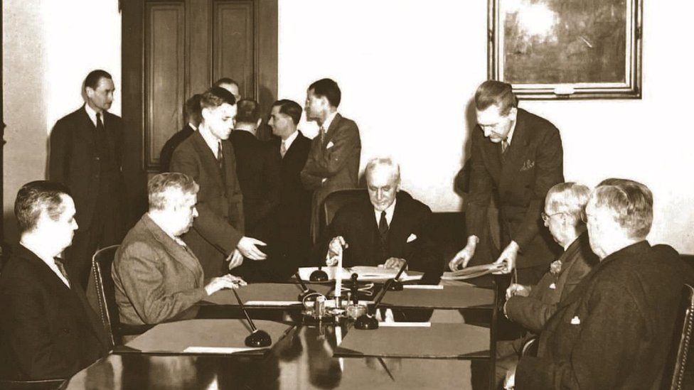 Firma del tratado en Washington en 1944