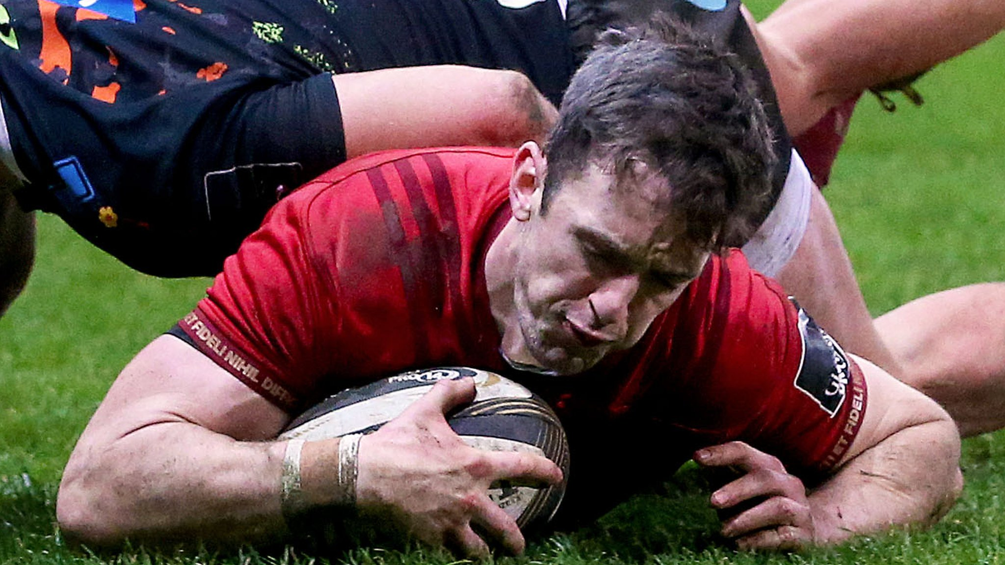 Munster battle to bonus-point win over Zebre