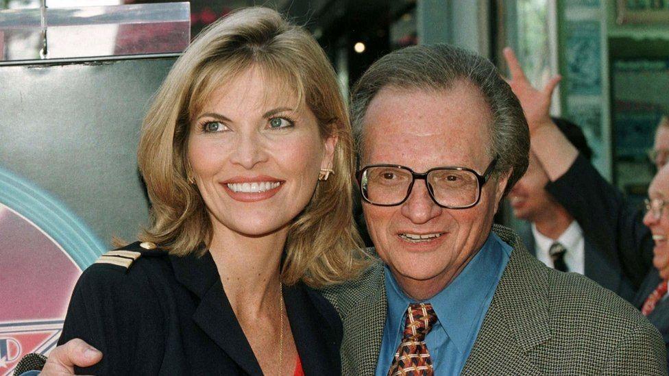 لاري وشون في عام 1997، قبل زواجهما.