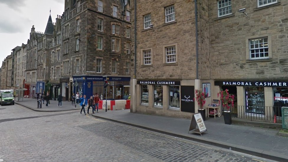Street advertising boards to be banned in Edinburgh