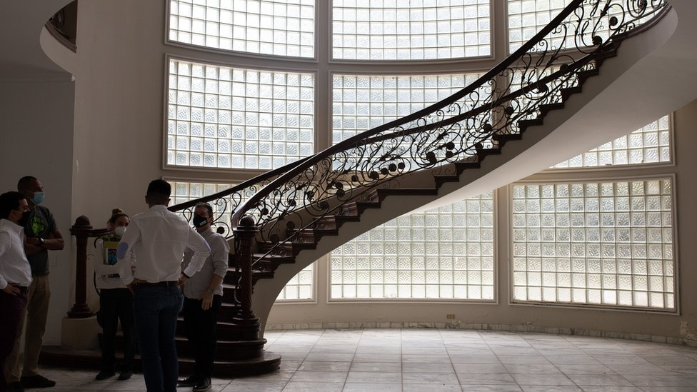 Escaleras de la mansión Montecasino.