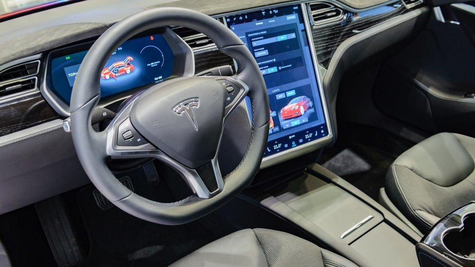 USA  regulators ask Tesla to recall 158,000 cars