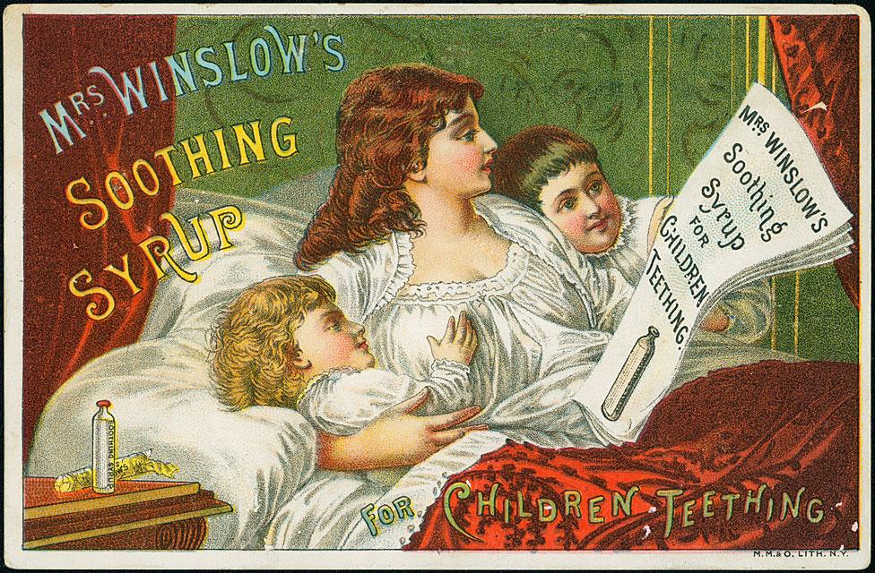 Propaganda es de un jarabe para aliviar el dolor en las encías cuando están saliendo los dientes. El sirope de Mrs. Winslow contenía morfina y alcohol.