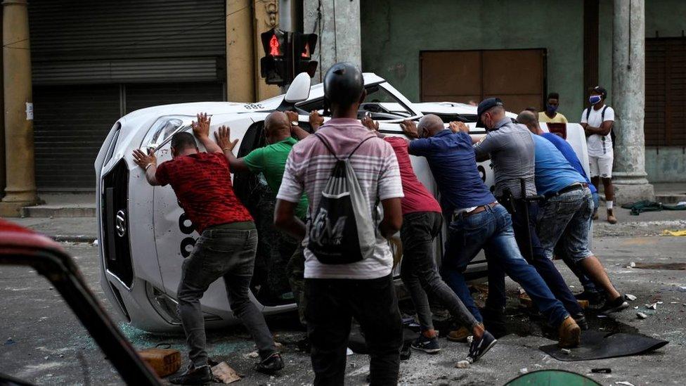 Scene protesta kao što je ovaj iz jula veoma su retke na Kubi
