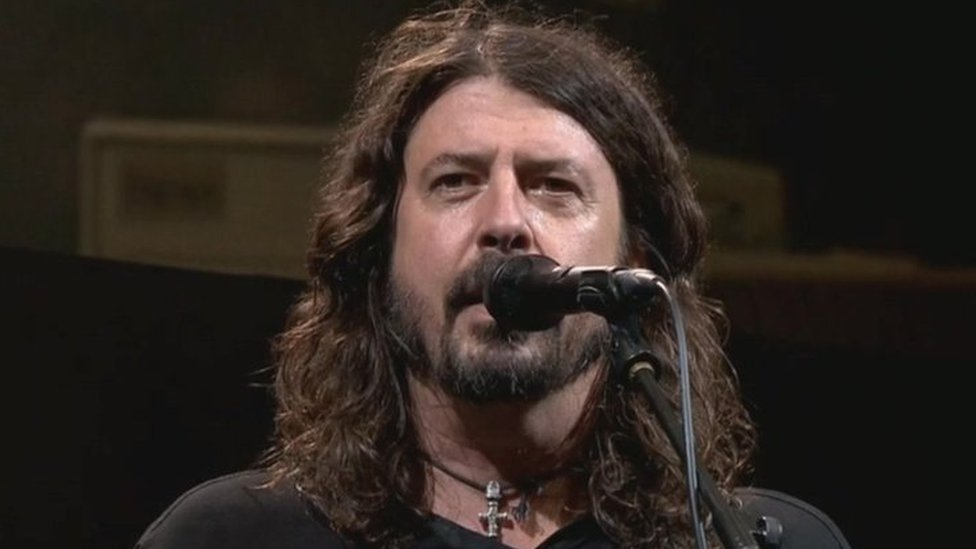 Dave Grohl pays tribute to dead fan