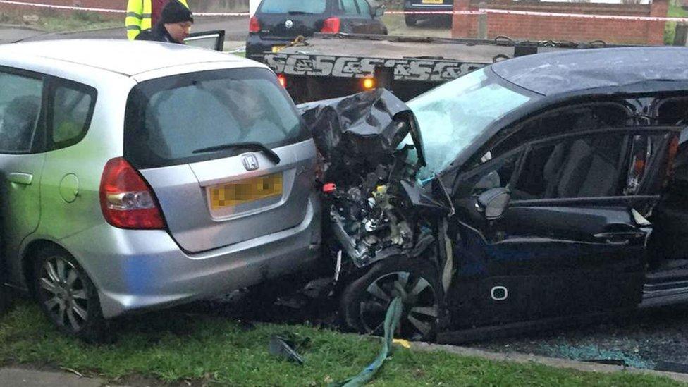 Two die in crash with van pursued by police in Eltham