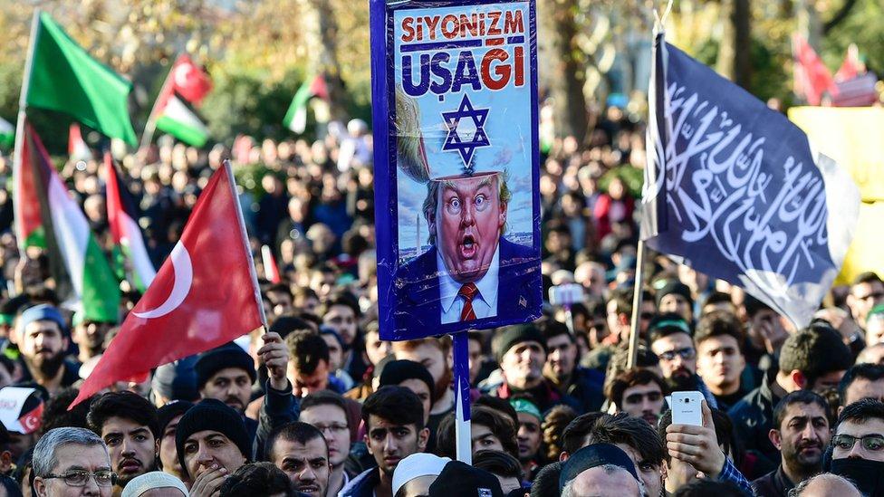 Aksi di Istanbul