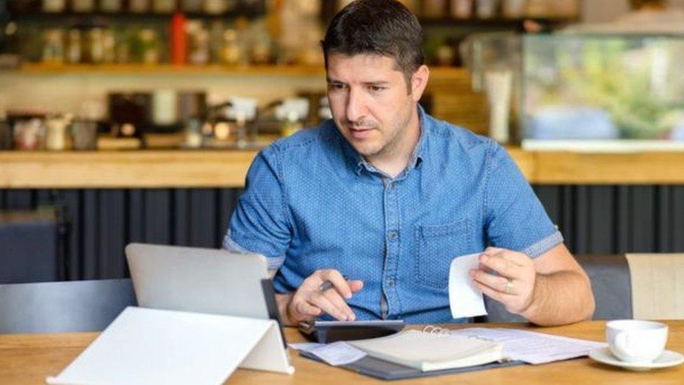 在新冠疫情造成的商業模式大改變和調整下,中小企業生存壓力大。