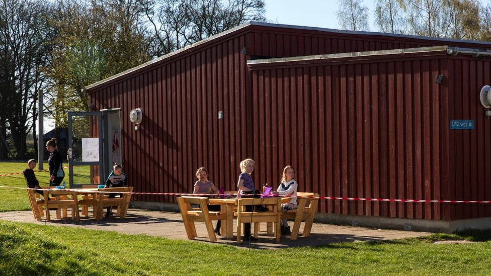 Children in Denmark receive open-air lessons in April 2020