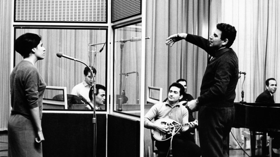 Mikis Theodorakis recording with the BBC Greek Service in 1964