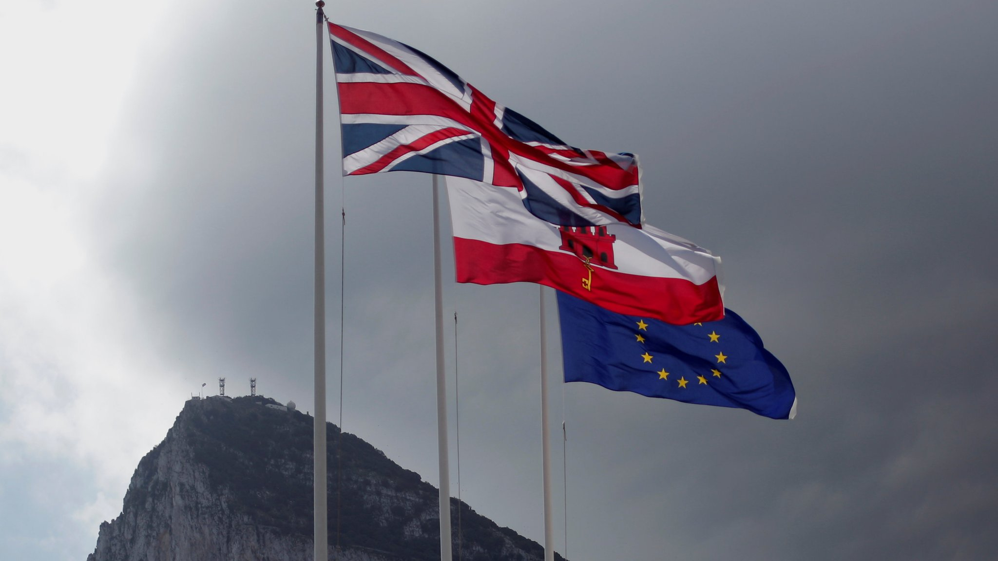 Spain Brexit: PM Sánchez threatens to vote no over Gibraltar