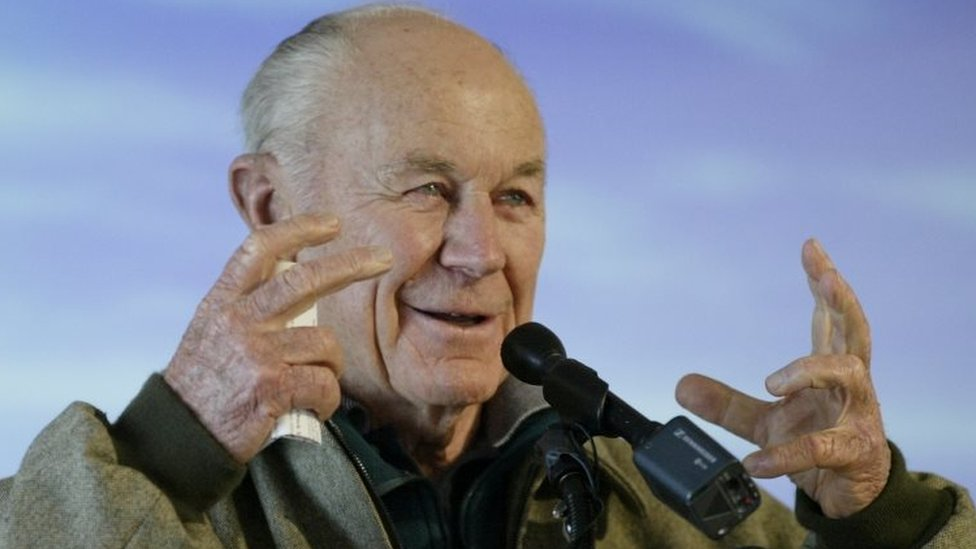 Chuck Yeager speaks to the public in December 2003
