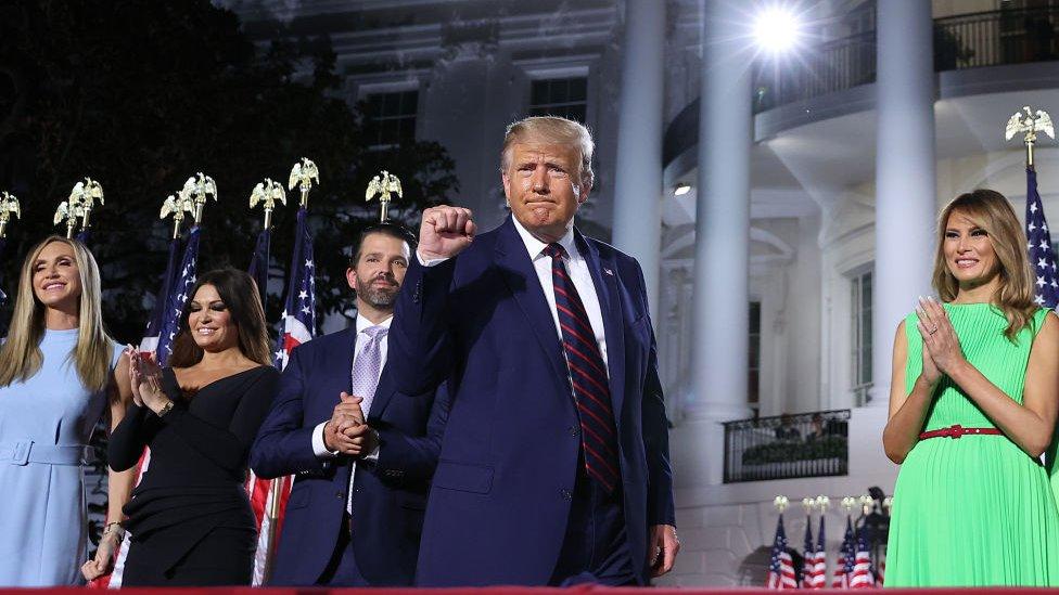 特朗普和家人在白宮外