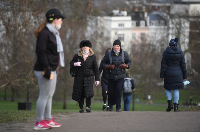 Pessoas fazendo exercício em Londres