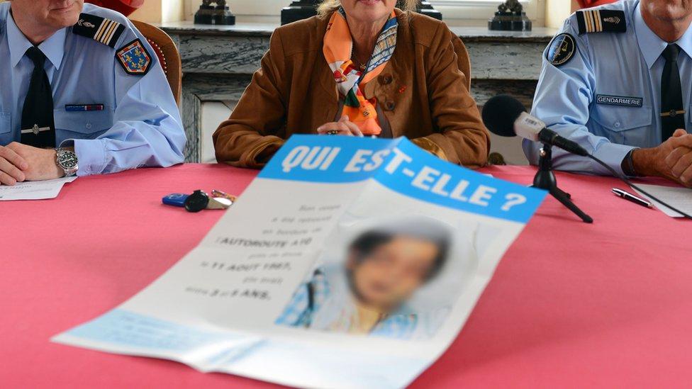 """أُطلقت دعوة للشهادة مرفقة بصورة وجه الفتاة وكتب تعليق على الصورة : """"من تكون الفتاة؟"""" عام 2012"""